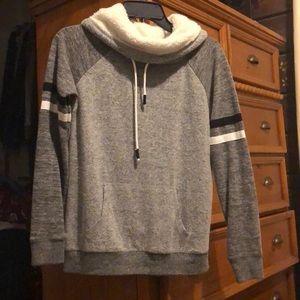 Thin turtle neck sweater